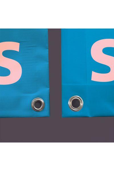 Doppelseitige Blockout-Blache mit Saum und Oesen