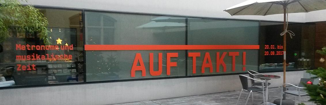 Schaufensterbeschriftung Museum