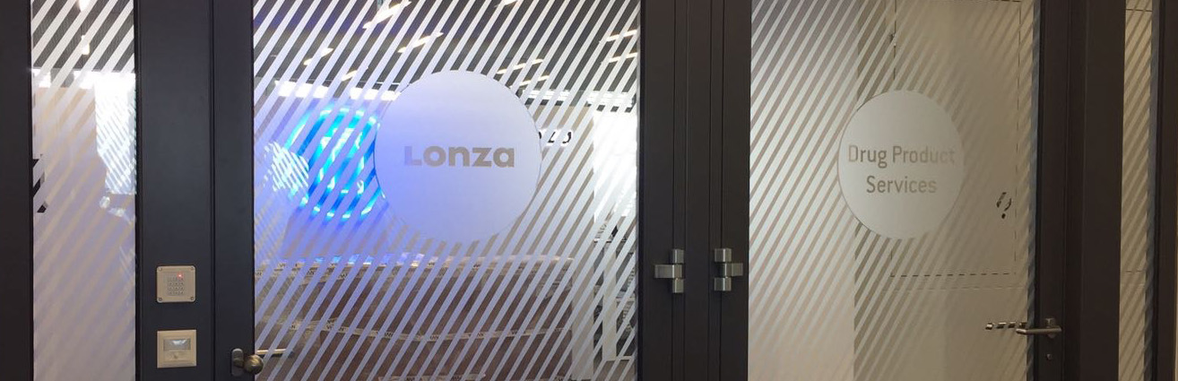 Beschriftung Glasdekorfolie Lonza